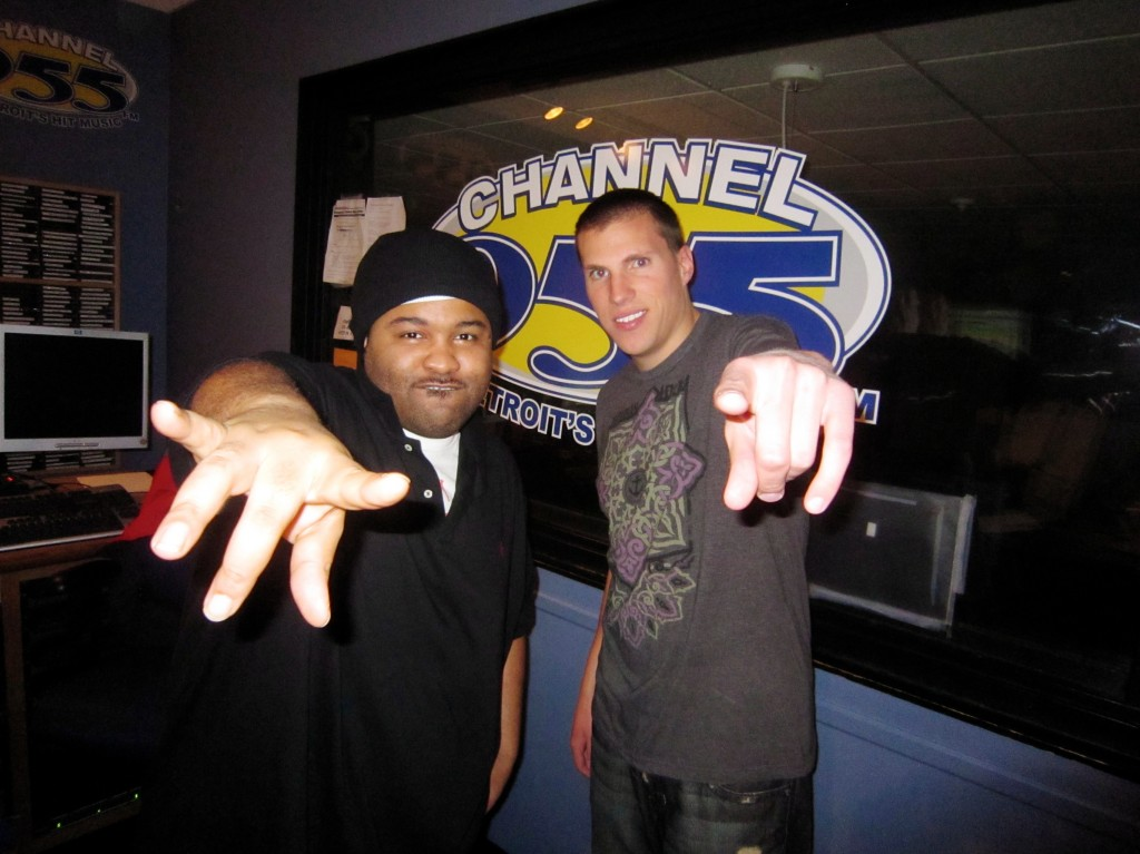 Channel 955 X-Change Buda Radio Interview DJ X-Change Pointing 2011 9